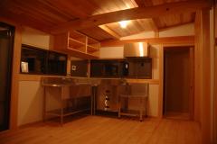 新築部分のキッチン。
